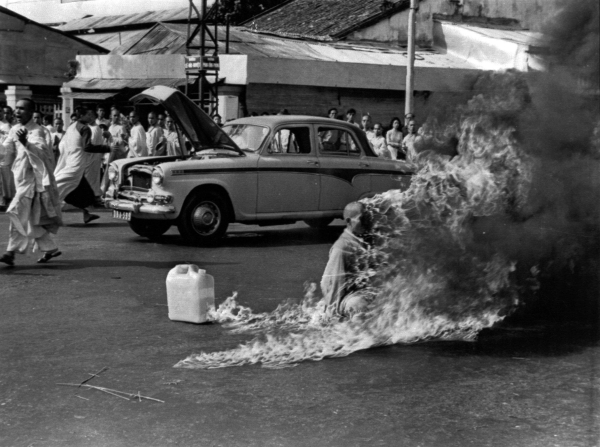 """""""Self-Immolation of Thích Guảng Dức"""" by Malcolm Browne (1963)."""